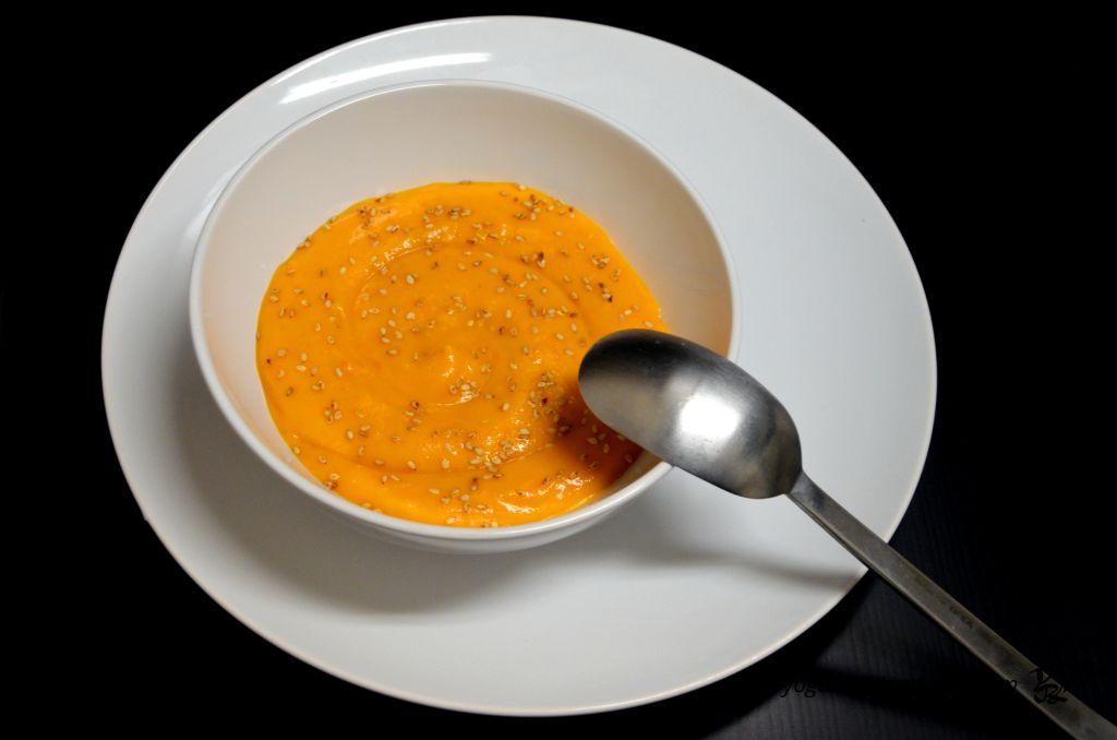 Нежный тыквенный крем-суп на кокосовых сливках