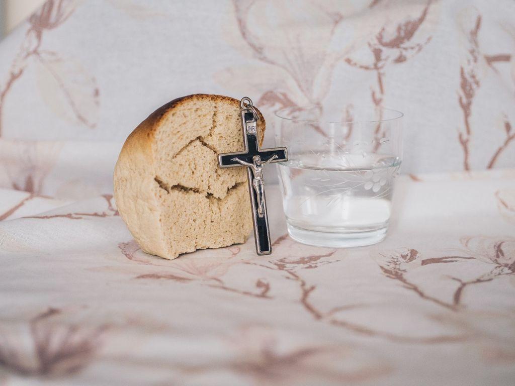 Практика осознанности в еде – Библейское Причастие